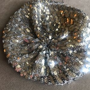 Accessories - Silver Beret 🎶